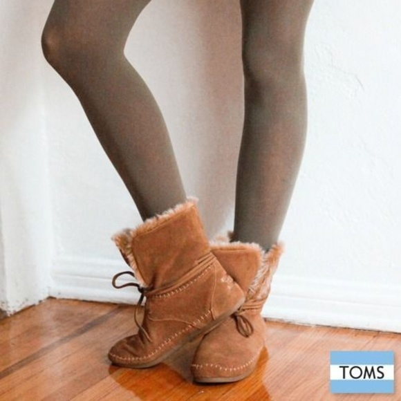 Toms Zahara Boots 8 Solid Beige Lace